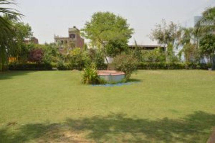 R P M Public School-Garden