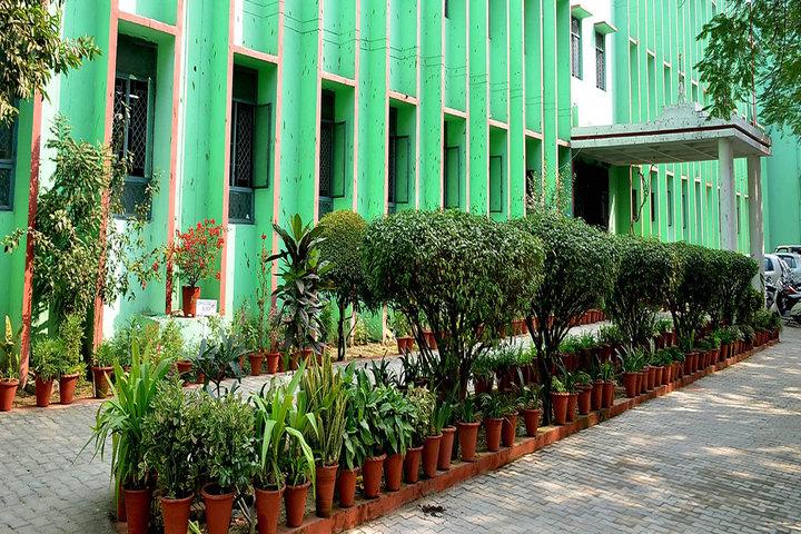 R R K School-building
