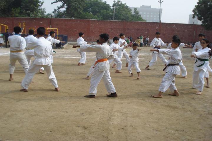 RK Modern School-karate