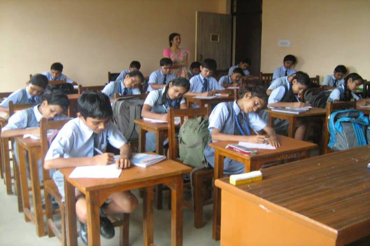 R N International Public School-Classroom