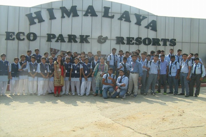 R N International Public School-Excursion