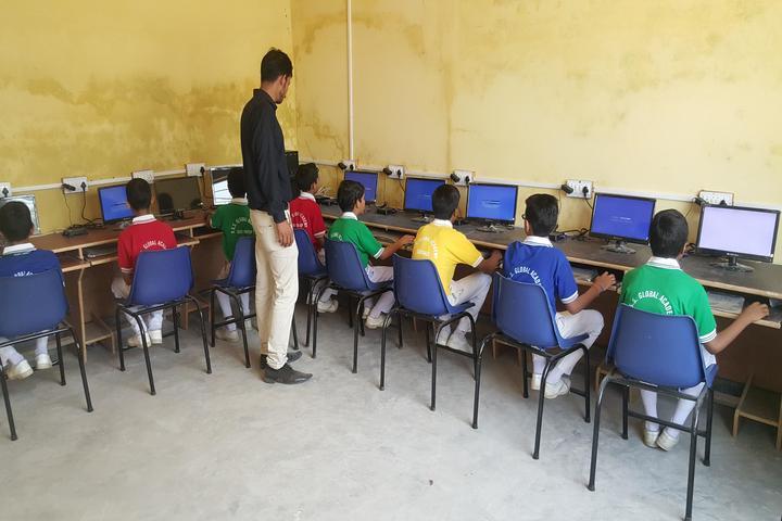 R S S Gobal Academy-Lab