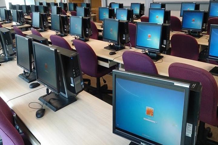 Raheemia Public Junior High School-Computer Lab