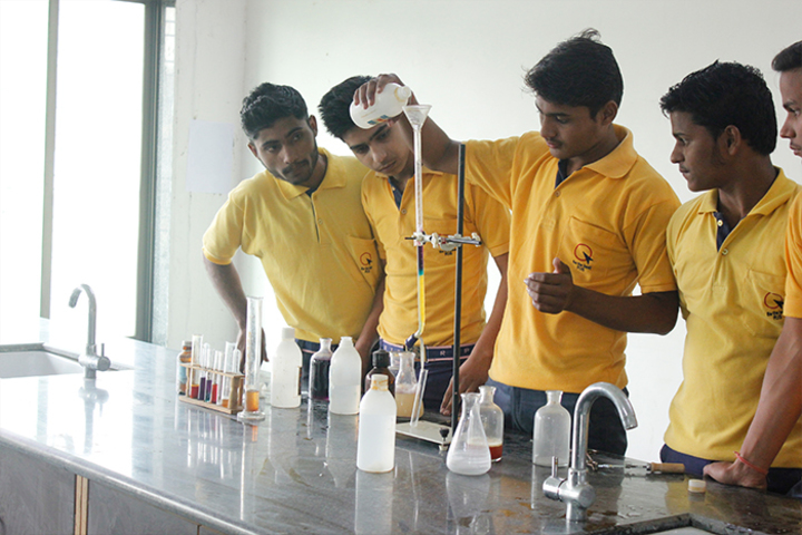 Rahul International Public School-Chemistry Lab