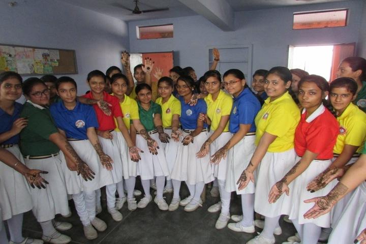 Rajendra Lohia Vidyamandir-Mehandi Competition