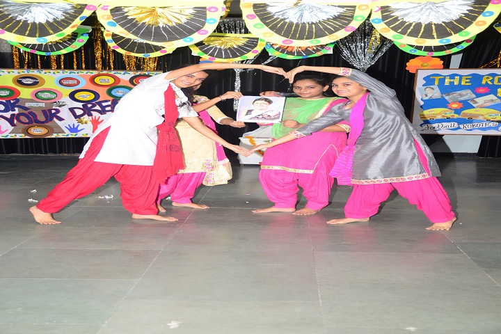 Ajit Karam Singh International Public School-Dance