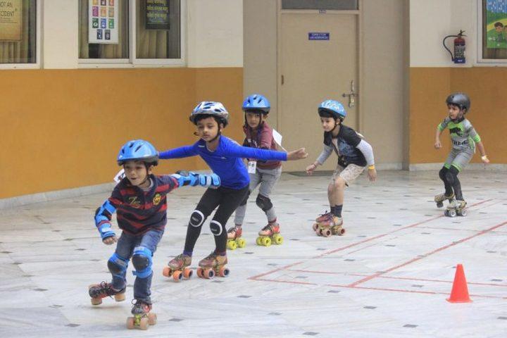Gems School-Skating