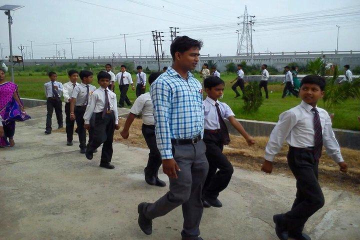Ram Lakhan Bhatt International School-Educational Tour