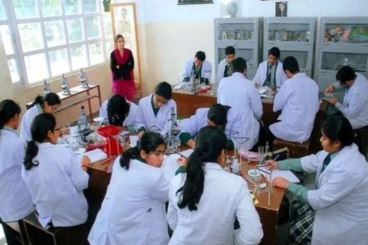 Bal Niketan Model School-Laboratory