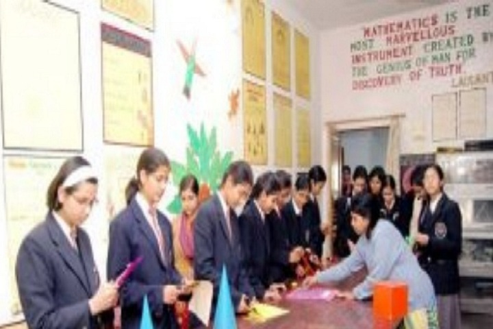 Rani Laxmi Bai Memorial Senior Secondary School-Maths Lab