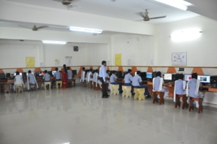 Rashtrakavi Maithili Sharan Gupt Public School-Computer Labs