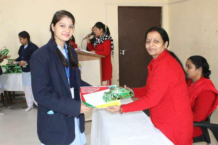 Rattan Lal Phool Katori Devi-Prize Distribution
