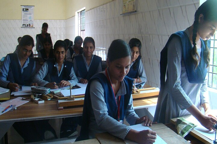 Red Rose Senior Secondary School-Science Labs