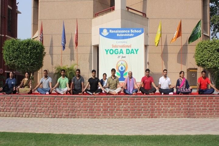 Renaissance School-Yoga day