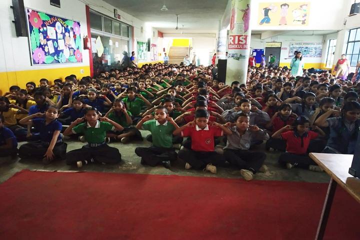 Rishikul International School-yoga