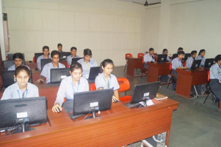 Royal Public School- Computer lab