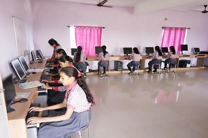 SKD Public School- Computer lab