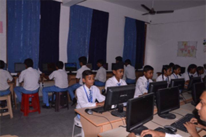 S S Bajwa Modern Academy- Computer lab