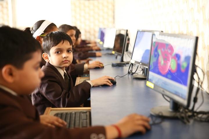Sachdeva Millennium School- Lab