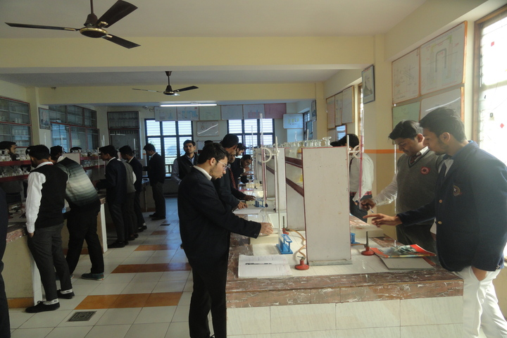 Saint Angels Public School-Chemistry lab