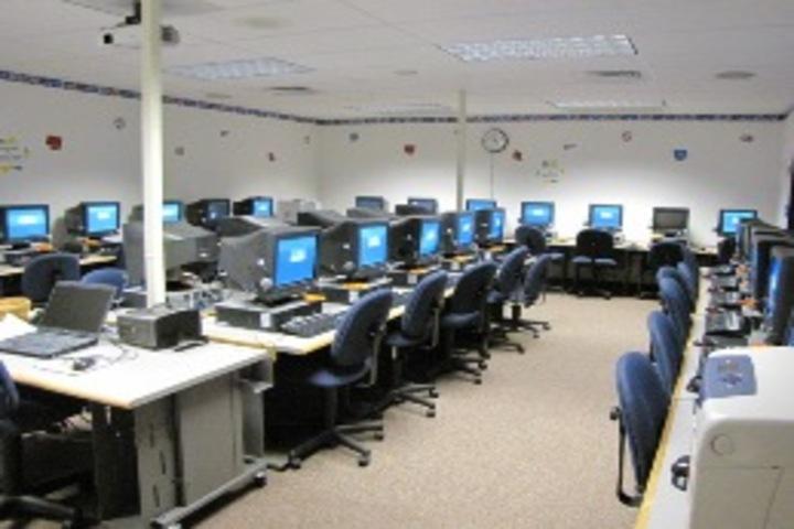 Saint Maruti School-Computer Lab
