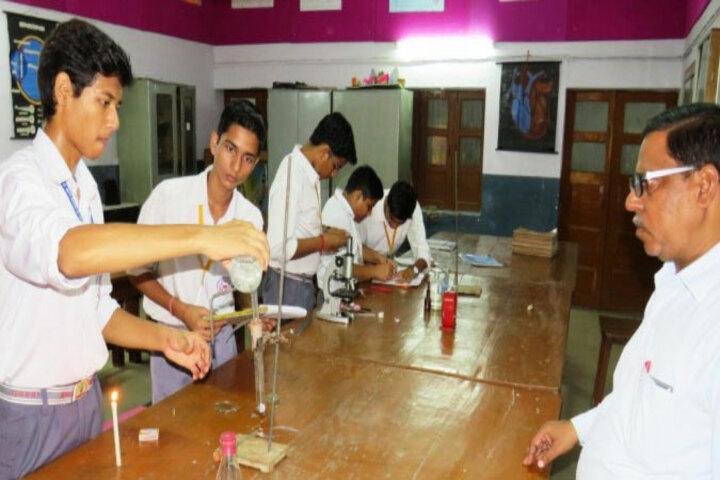 Saraswati Vidya Mandir- Science Lab