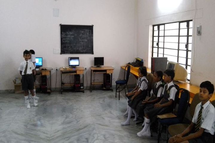 Sarla International Academy-Computer Lab