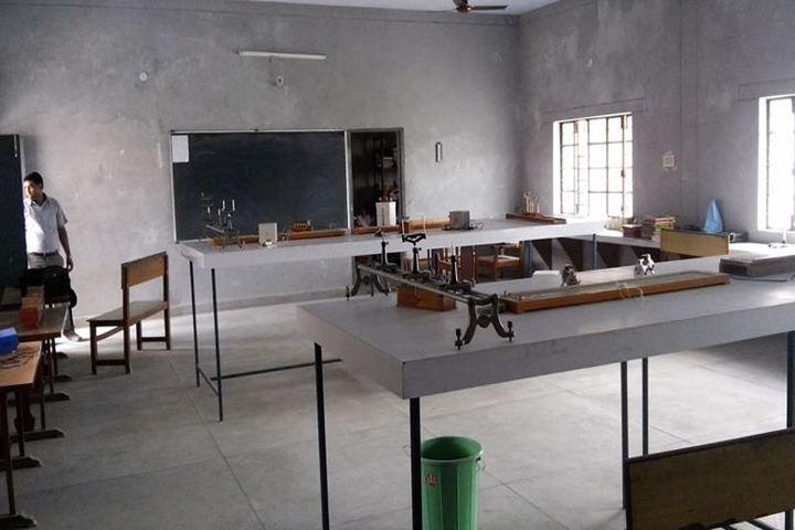 Sarla International Academy-Physics lab