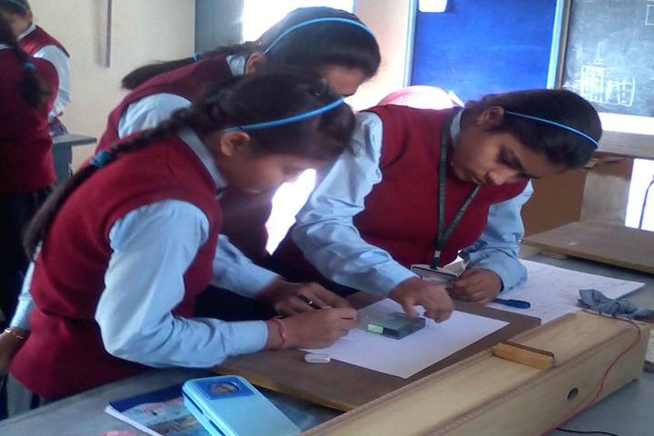 Sarti Devi Raja Ram Public School-Maths Lab