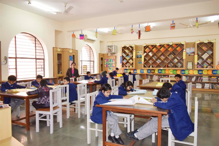 Scholar Mission School-Library