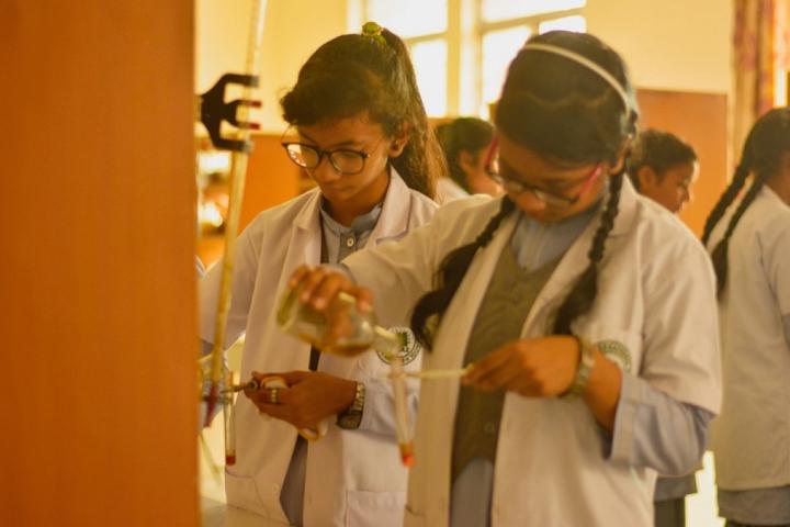 Seemax International School-Chemistry Lab