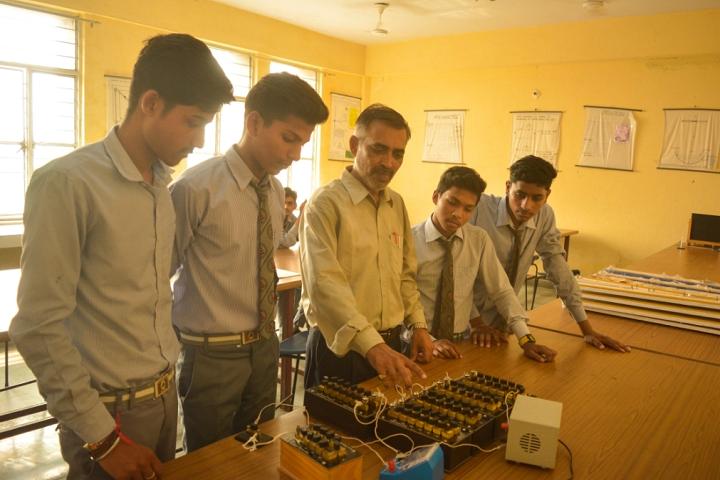 Seemax International School-Science Lab