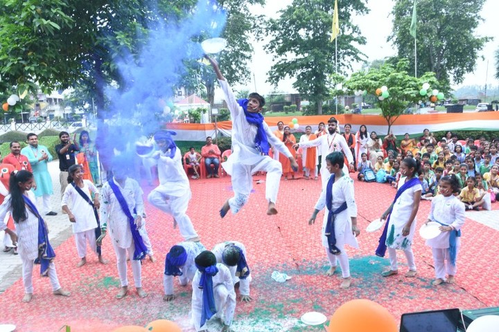 Seth M R Jaipuria School-Dance Performance