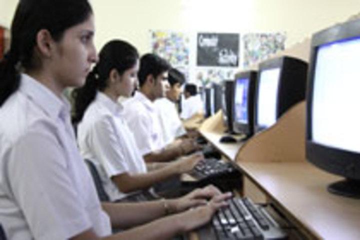 Seth M R Jaipuria School-Computer Lab