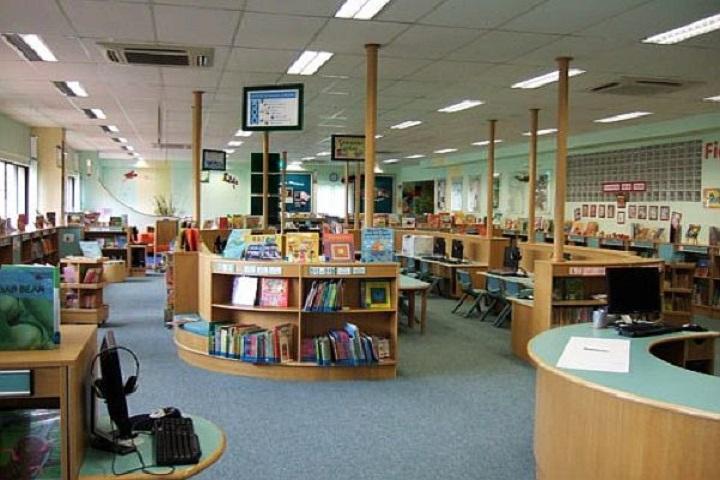 Seven Hills School-Library