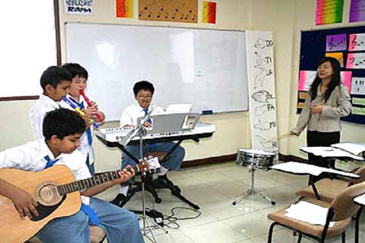 Seven Hills School-Music Room