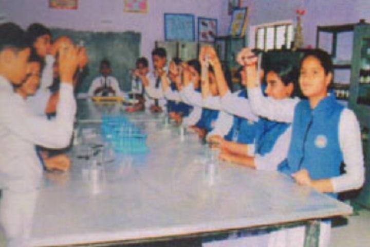 Shaheed Manveer National School-Science Lab