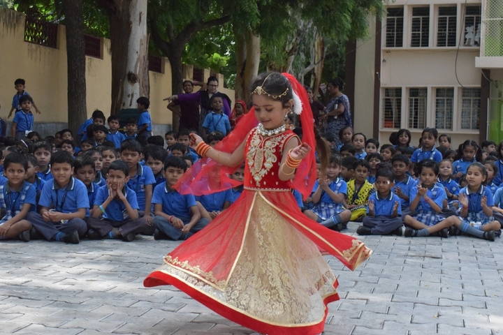 Sheerwood College-Dance Competition