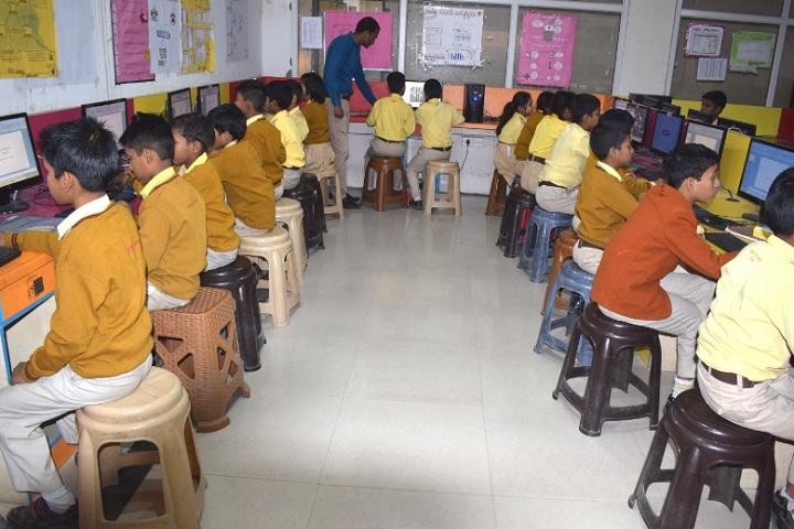 Shemford Futuristic School-Computer lab