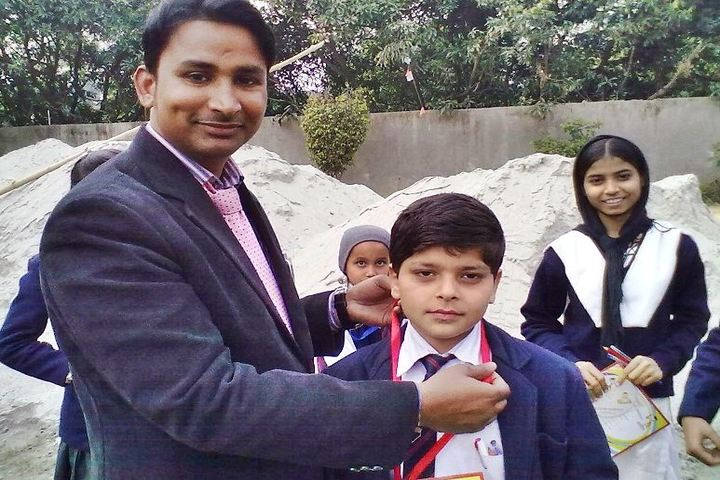 Shivam Public School-Medal Presentation