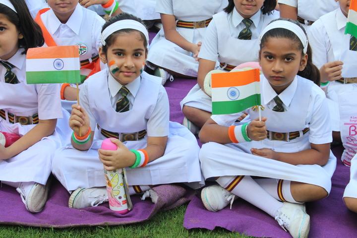 Shri Gulab Rai Montessori Senior Secondary School-Students