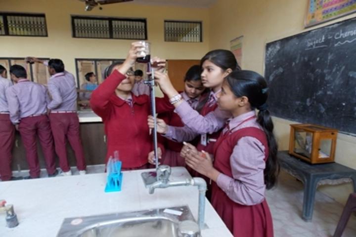 Shri Sai Public School-Chemistry Lab
