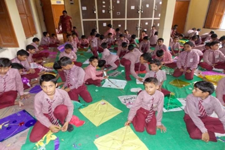 Shri Sai Public School-Kite Making