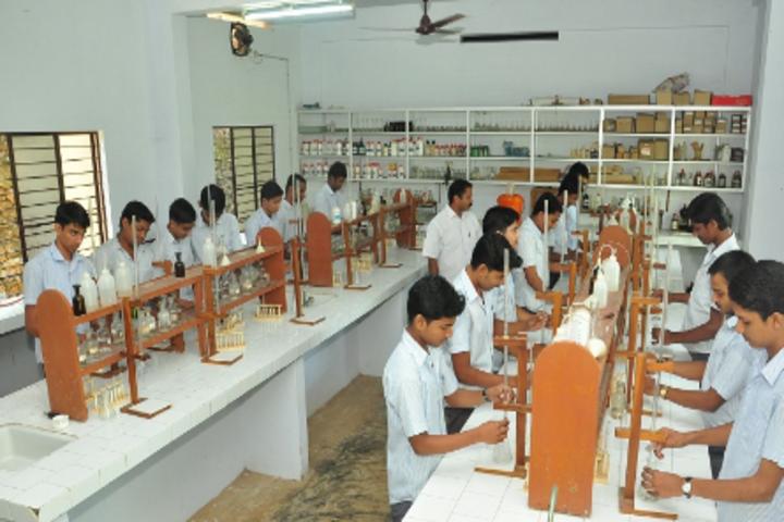 Shriji Baba Saraswati Vidya Mandir-Chemistry Lab