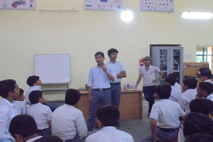 Shriji Baba Saraswati Vidya Mandir-Seminar