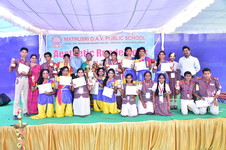 Gmr Varalakshmi Dav Public School-Award Receiving