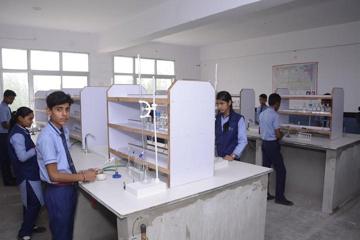 Smart Indian Model School-Chemistry Lab