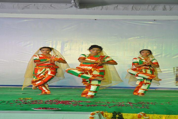 Smart Indian Model School-Patriotic Dance
