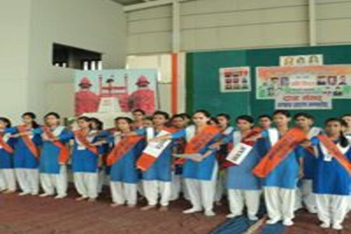 Smt Brahma Devi Saraswati Balika Vidya Mandir-Investiture Cermony