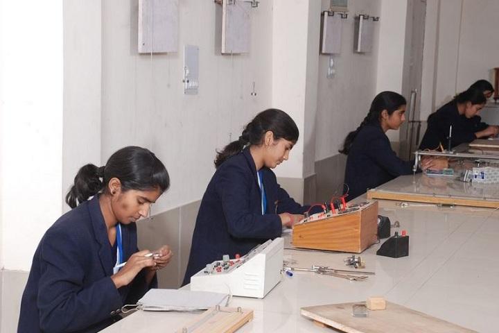 Smt Brahma Devi Saraswati Balika Vidya Mandir-Physics Lab